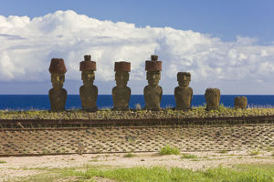 latest highlights/highlights 2013/anakena beach monolithic giant stone moai statues