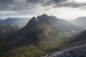scotland big picture/liatach beinn eighe hazy skies torridon highlands